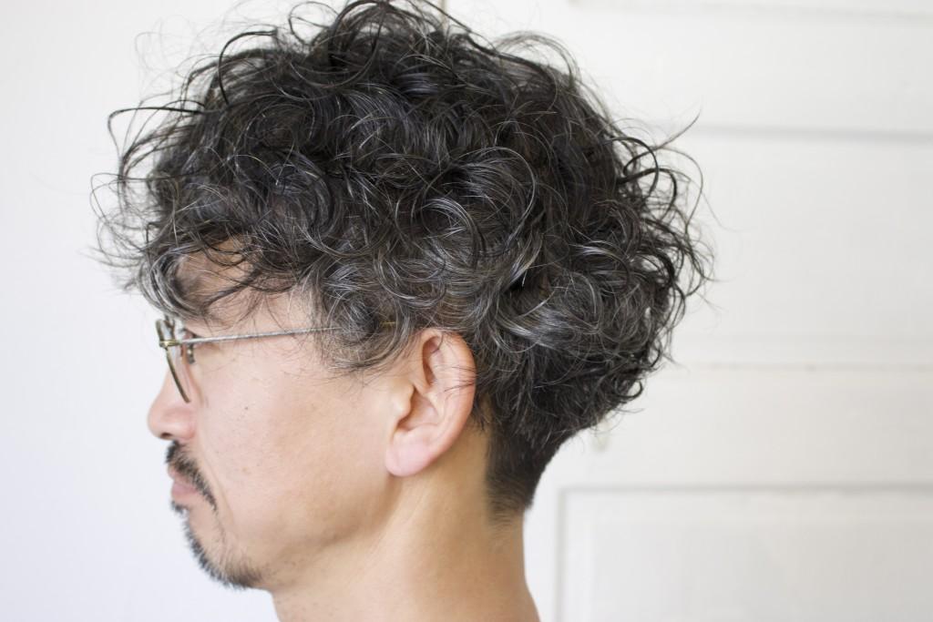 白髪が生えてきてしまった30代40代の男性にもこちらのヘアスタイルはおすすめです。