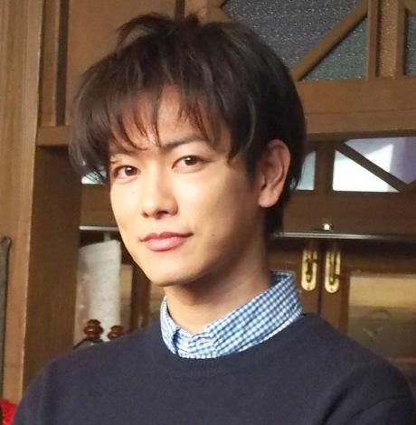 佐藤健みたいな髪型って?かっこよくなれるヘアスタイルを紹介